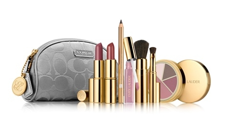 Estee Lauder Holiday 2010 makeup gift set 2 Estee Lauder Holiday 2010 Makeup Gift Sets