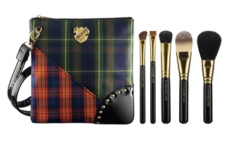 MAC A Tartan Tale holiday 2010 Brush Set MAC A Tartan Tale Makeup Collection for Holiday 2010   Preliminary Information + Photos
