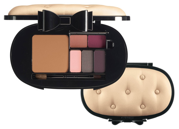 MAC Holiday 2012 Face Palette MAC Glamour Daze Holiday 2012 Collection & Gift Sets   Sneak Peek