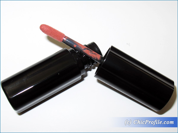 Shiseido-Lacquer-Rouge-RD-215-Review-Brush