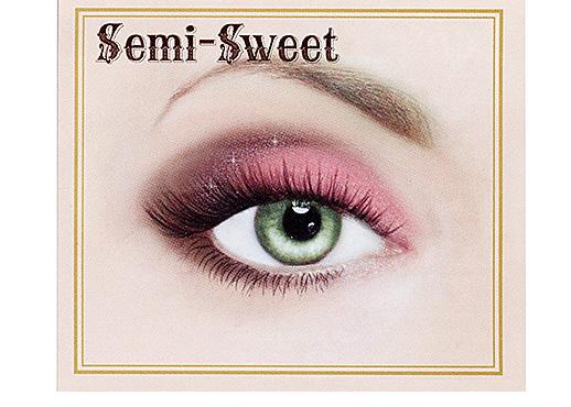 Too-Faced-Chocolate-Bar-Eye-Palette-Semi-Sweet-Look