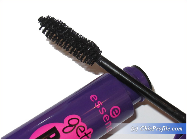 Essence-Get-Big-Lashes-Mascara-Brush