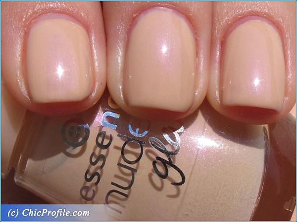 Essence-Nude-Glam-Nail-Polish-Swatch