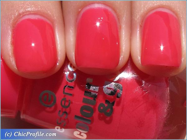 Essence-Pink-Nail-Polish-Swatch