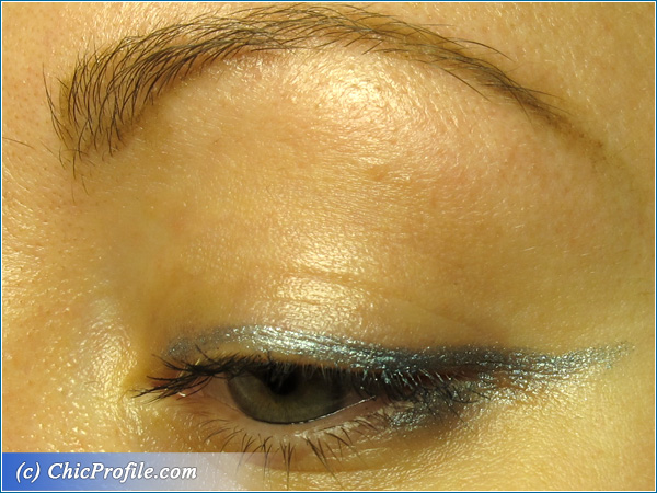 Essence-2014-Ice-Ice-Baby-Eye-Pencil-Look