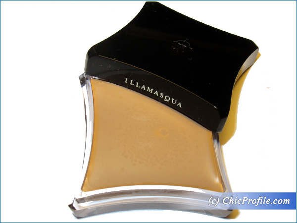Illamasqua-Hollow-Cream-Pigment
