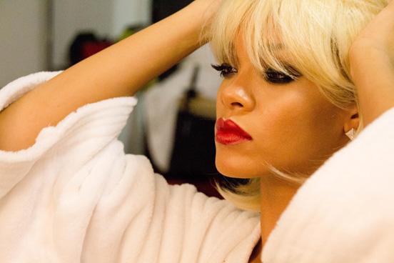 MAC-2014-Viva-Glam-Rihanna-1