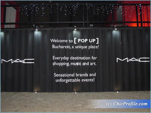 MAC-Store-Lipscani-Pop-Up-Entrance