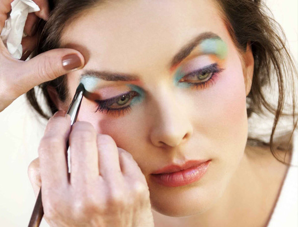 Make-Up-For-Ever-Arty-Blossom-Palette-2014-Makeup1