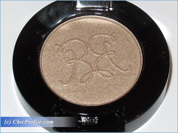 Rouge-Bunny-Rouge-Long-Lasting-Eyeshadow-Rain-Dove-Review