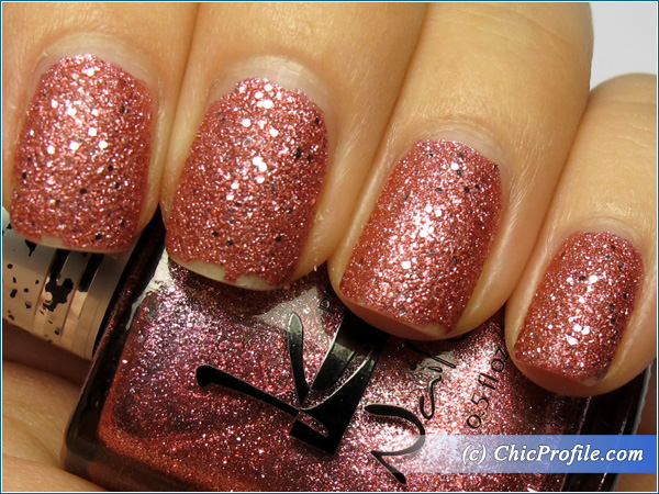 Kinetics-Ipanema-Girl-Nail-Polish-Swatch-6-Days-Top-Coat