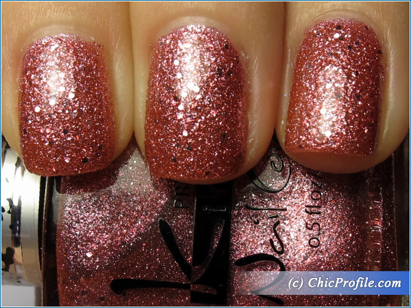 Kinetics-Ipanema-Girl-Nail-Polish-Swatch-Top-Coat