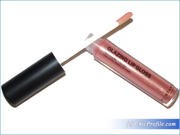 Mustaev-Golden-Peach-Glazing-Lip-Gloss-Review-1