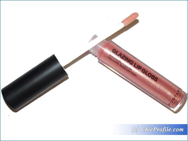 Mustaev-Golden-Peach-Glazing-Lip-Gloss-Review-1