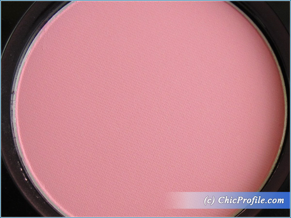 Mustaev-Odd-Pink-Face-Architect-Powder-Review-2