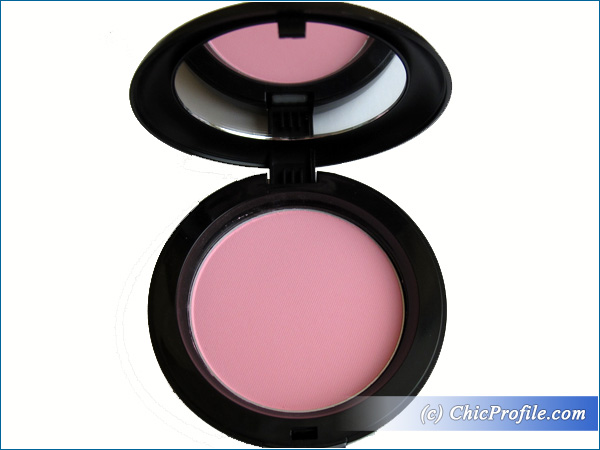 Mustaev-Odd-Pink-Face-Architect-Powder-Review
