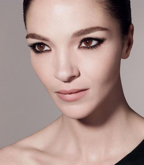 Givenchy-Extravagancia-Fall-Winter-2014-Makeup
