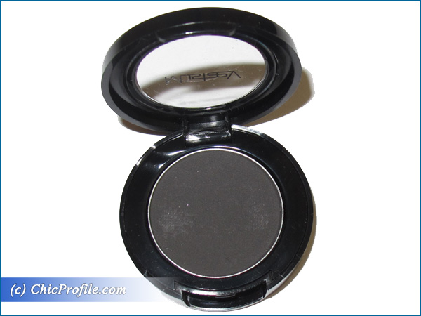 Mustaev-Charcoal-Eyeshadow-Review-2