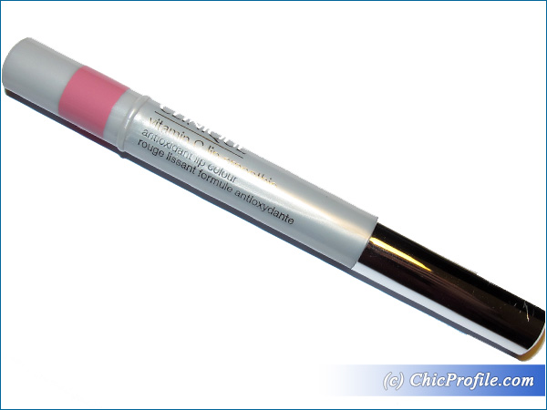 Clinique-Pink-Me-Up-Lip-Smoothie