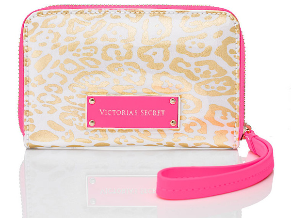 Victoria's-Secret-Golden-Leopard-iPhone-Clutch