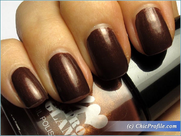 Manhattan-Black-Cherry-Nail-Polish-Swatch-4