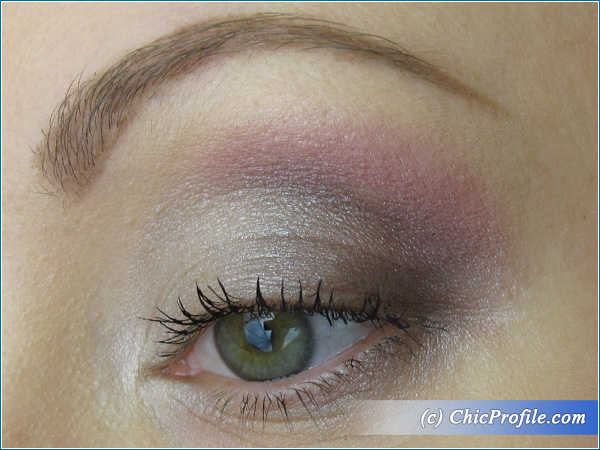 Manhattan-Retro-Glam-Palette-Makeup-1