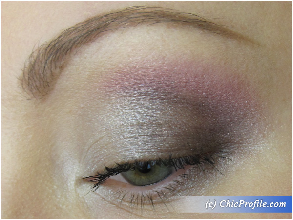 Manhattan-Retro-Glam-Palette-Makeup-2