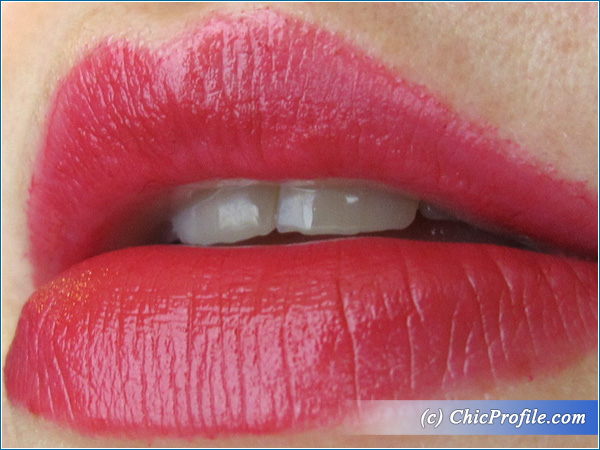 Max-Factor-Scarlet-Ghost-Lipstick-Lip-Swatch