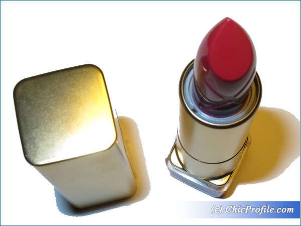 Max-Factor-Scarlet-Ghost-Lipstick-Review-3