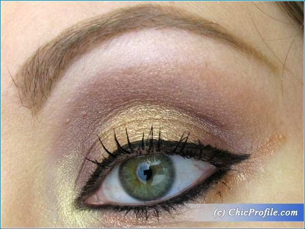 Plummy-Bronze-Makeup-Look-1