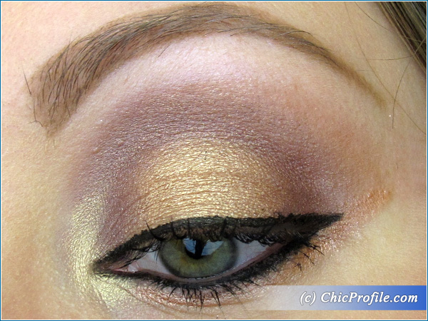 Plummy-Bronze-Makeup-Look
