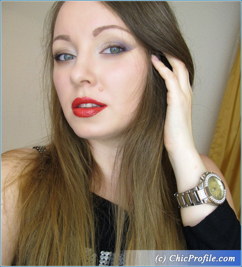 Clubbing-Red-Lips-Makeup
