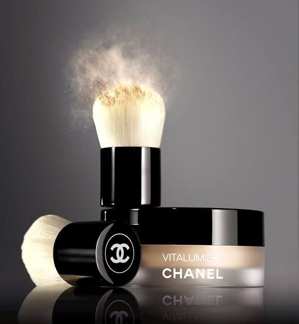 Chanel-Vitalumiere-Loose-Powder-Foundation
