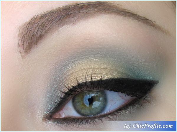 Green-Gold-Makeup-Look-1