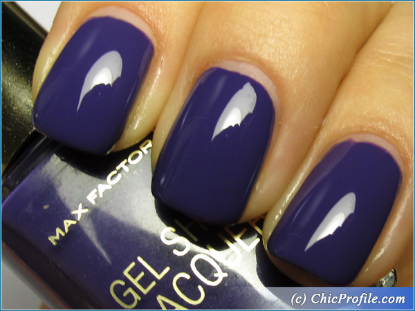 Max-Factor-Lacquered-Violet-Nail-Polish-Swatch-2