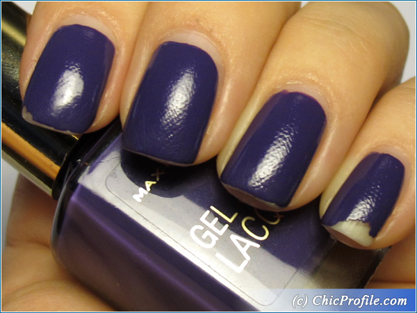 Max-Factor-Lacquered-Violet-Nail-Polish-Swatch-3