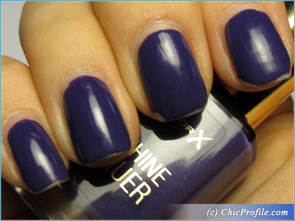 Max-Factor-Lacquered-Violet-Nail-Polish-Swatch-4