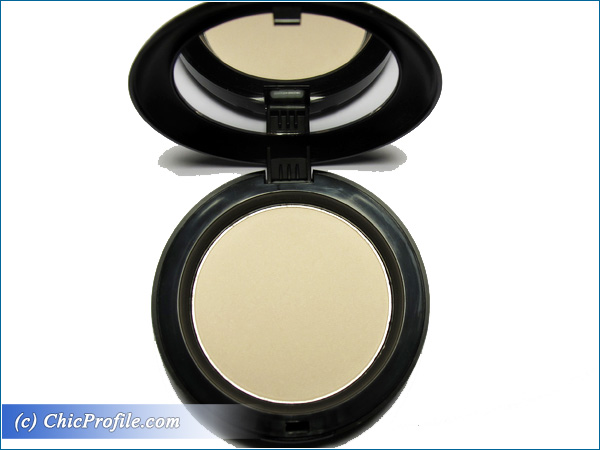 Mustaev-Light-On-Face-Architect-Powder-Review-3