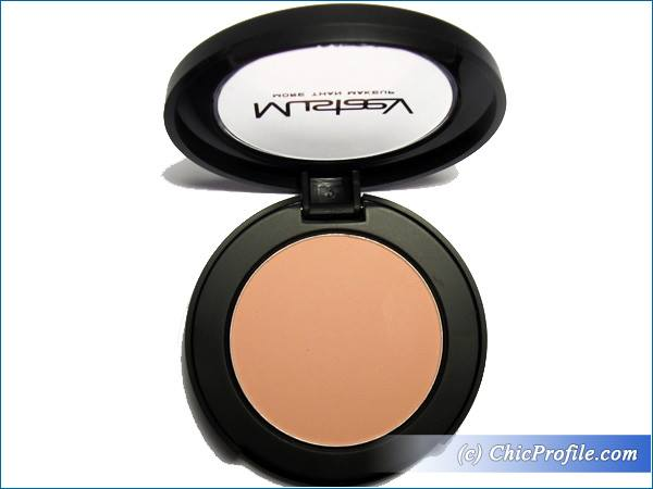 Mustaev-Cheeky-Chic-Blush-Floral-Glow-Review-4