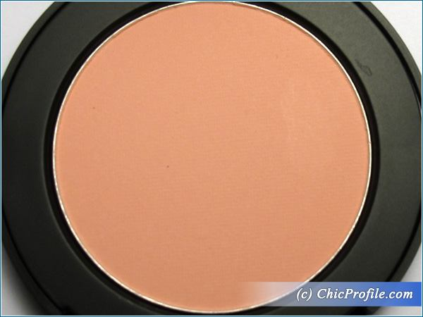Mustaev-Cheeky-Chic-Blush-Floral-Glow-Review-5