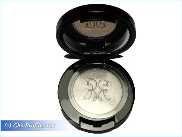 Rouge-Bunny-Rouge-Alabaster-Starling-Eyeshadow-Review-2