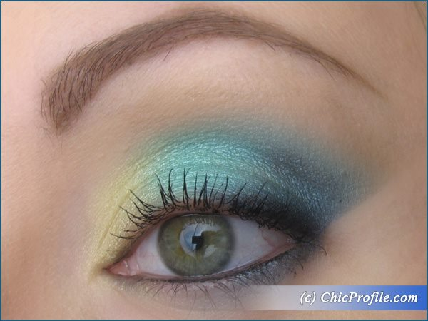Turquoise-Gold-Makeup-1