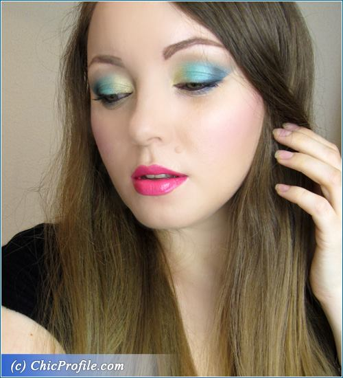 Turquoise-Gold-Makeup-2
