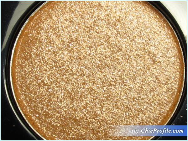 Mustaev-Dazzle-Eyeshadow-Review-6