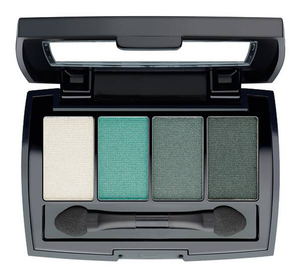 BeYu-Color-Catch-Eye-Palette-328-Mermaid-Blue-Bazaar-Of-Colors