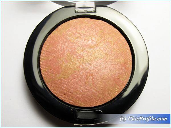 Max-Factor-Creme-Puff-Blush-Lovely-Pink-Review-3
