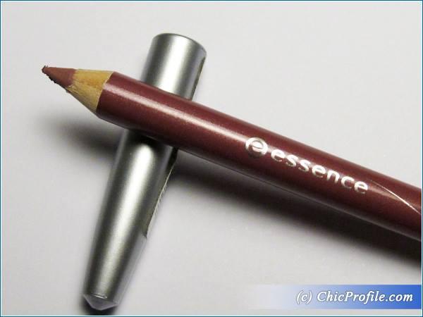 Essence-Satin-Mauve-Lip-Liner-Review-1