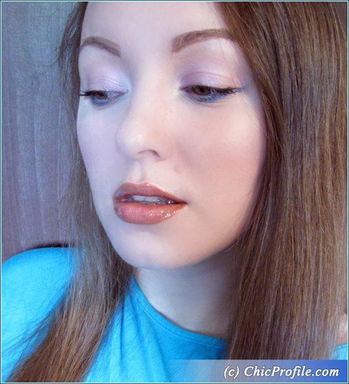 Icy-Blue-Summer-Makeup-6