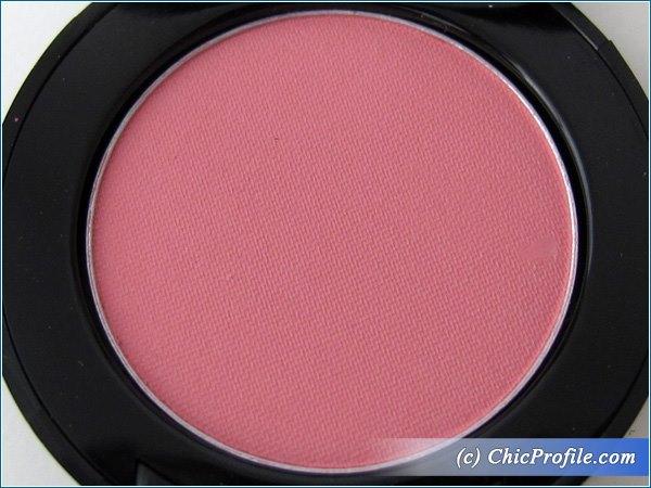 Mustaev-Pink-Bikini-Eyesahdow-Review-5
