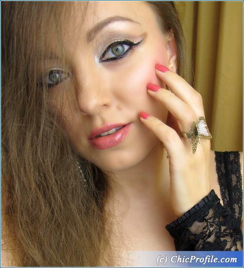 Dramatic-Liner-Nude-Makeup-4